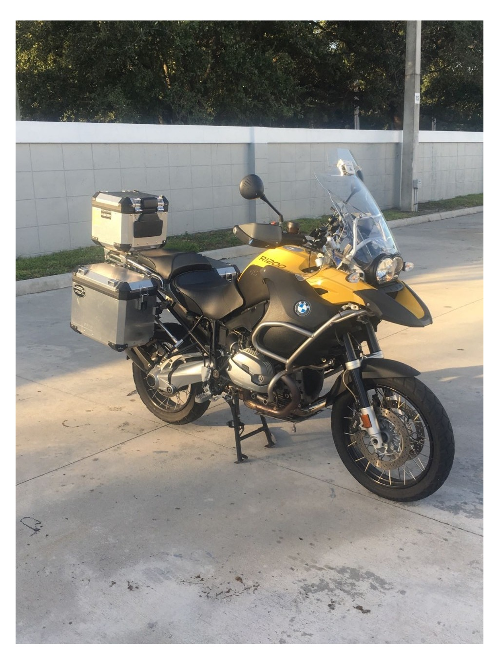 bmw motorcycle fort lauderdale | how about your car, gan?