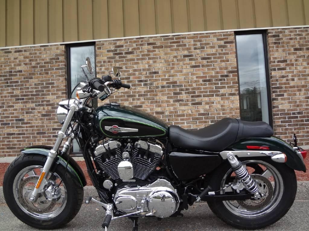 Harley Davidson: 2016 Harley-Davidson XL1200C Sportster 1200 Custom