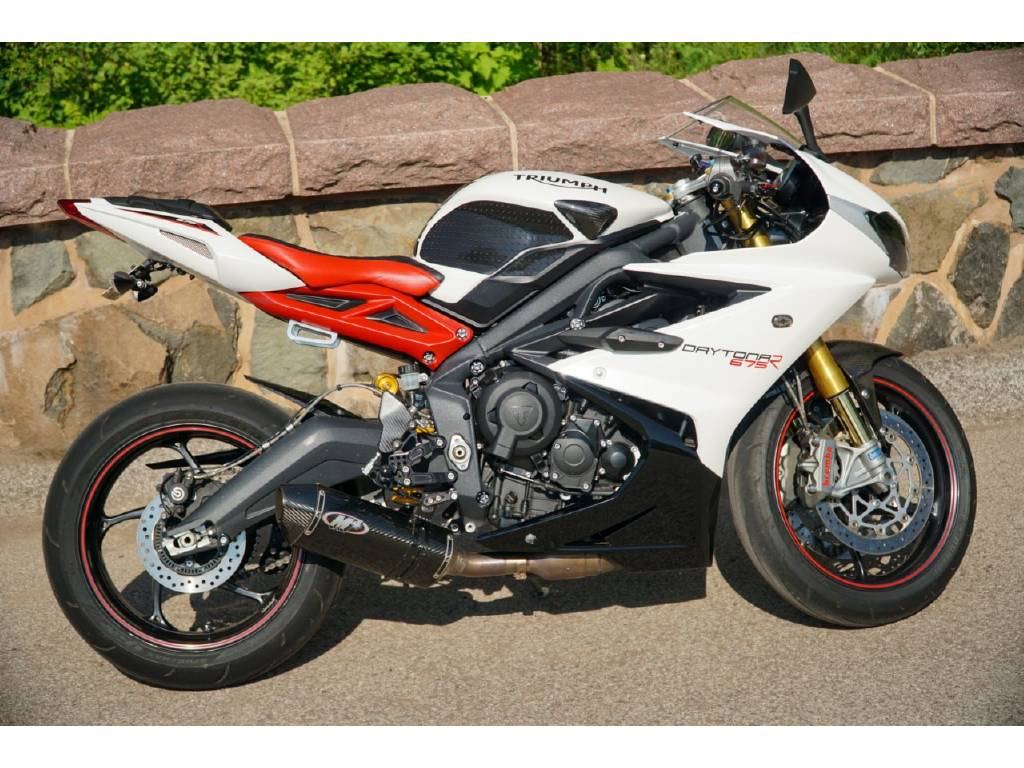 2015 Triumph DAYTONA 675R ABS, Duluth MN - - Cycletrader com